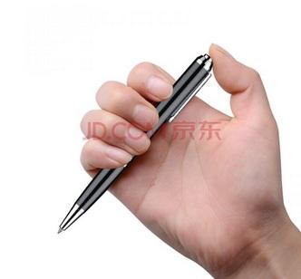 Bút ghi âm Q9 vô cùng dễ sử dụng, chỉ với 1 nút điều khiển duy nhất là bạn có thể lựa chọn các tính năng sử dụng khác nhau