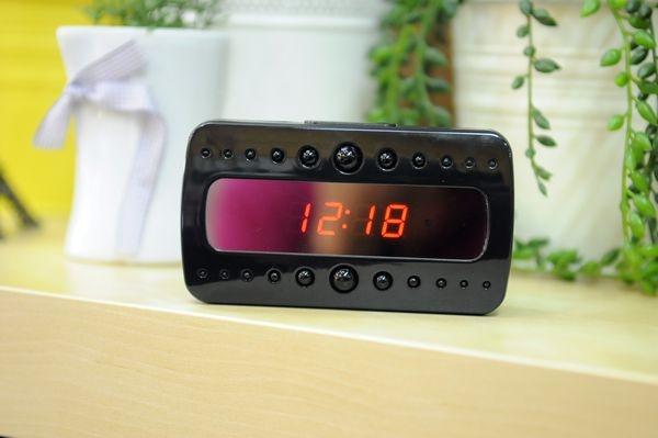 Đồng hồ camera để bàn quay đêm V26 thiết kế giúp vẻ ngoài thêm phần ngụy trang hoàn hảo.