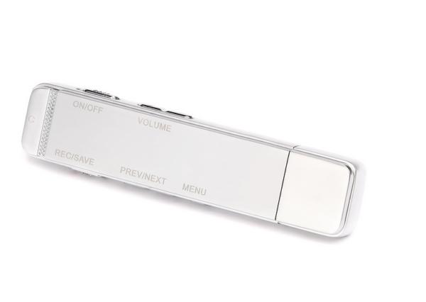 Máy ghi âm chuyên nghiệp DV-300 8GB thu âm với dung lượng và thời gian dài. Đảm bảo sự liên tục của thông tin.